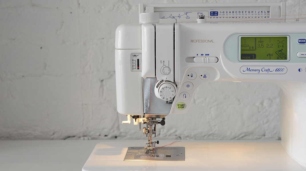 We Sew By The Seaside Fascinating Anna Sewing Machine