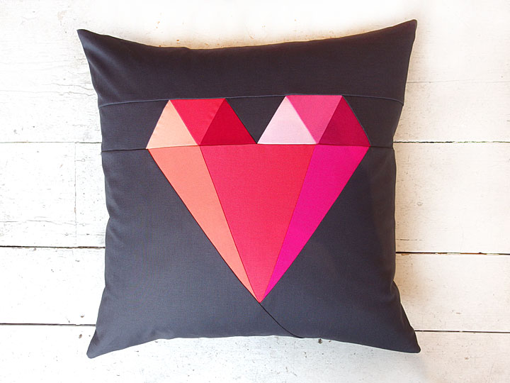 paper-pieced-heart-cushion